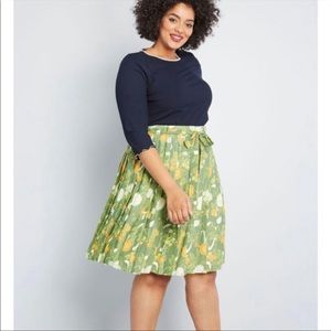 Modcloth Green Floral Purely Pretty Pleated Skirt